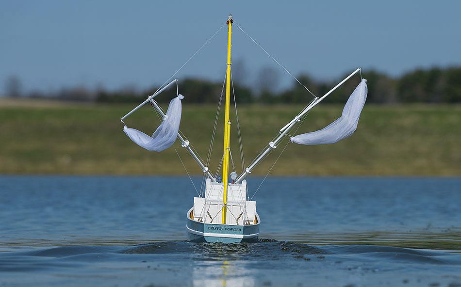 Aquacraft Model Kit Bristol Trawler Rtr 187 Pro Models